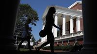 Les universités américaines attirent de moins en moins d'étudiants internationaux.