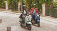 Selon Unu, près de 500 de leurs scooters électriques ont déjà été vendus dans la région parisienne.