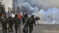 Les manifestations au Venezuela contre le président Nicolas Maduro ont fait au moins 35 morts et 850 personnes ont été arrêtées.