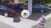 L'homme a sorti la personne inconsciente de son véhicule alors qu'une explosion était sur le point de se produire.