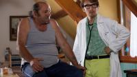 """Lorànt Deutsch est le docteur à séduire dans le film """"Un village presque parfait""""."""