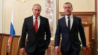 Le Premier ministre russe Dmitri Medvedev a présenté mercredi au président Vladimir Poutine la démission de son gouvernement.