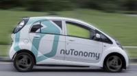 A Singapour, les six taxis de la start-up nuTonomy roulent dans une zone de quatre kilomètres carrés, avec des endroits désignés pour prendre et déposer des passagers.