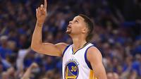 Stephen Curry et les Warriors viennent de s'installer au sommet de la NBA.