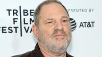 Après en avoir été limogé, Harvey Weinstein a porté plainte contre la société de production qu'il a cofondée.