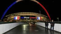 """Wembley s'est orné de bleu, de blanc, de rouge et de la devise française """"Liberté, égalité, fraternité""""."""