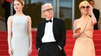 Woody Allen sur les marches aux côtés d'Emma Stone et Parker Posey au Festival de Cannes 2015