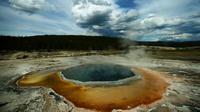 Les sources chaudes et parfois acides sont légion dans le parc naturel de Yellowstone.