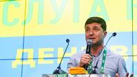 La victoire de Zelensky et celle de son parti reflètent la déception des Ukrainiens vis-à-vis de leurs élites, jugées corrompues.