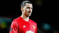 Zlatan Ibrahimovic portera toujours les couleurs de Manchester United cette saison.