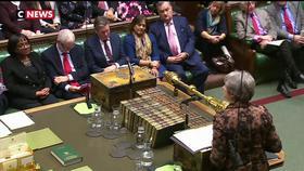 Brexit : Theresa May va tenter d'obtenir un nouveau compromis