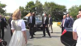 Présence polémique de Poutine au mariage d'une ministre autrichienne