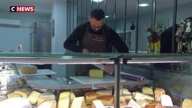 Des commerçants se mobilisent pour le 5 décembre, comme Pascal Charmes, artisan-fromager à Toulouse