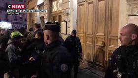 Emmanuel et Brigitte Macron exfiltrés : des questions autour de la sécurité du chef de l'Etat