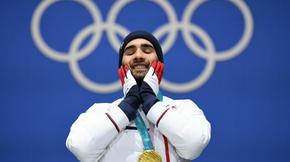 En décrochant 3 nouvelles médailles d'or olympique aux JO d'hiver de Pyeongchang, le biathlète Martin Fourcade est entré dans la légende du sport français. Il est tout simplement l'athlète tricolore le plus titré à des Jeux Olympiques, hiver et été confondus.