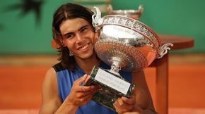 2006: Le Majorquin récidive l'année suivante. Considéré comme le meilleur joueur sur terre battue, il dispose de Roger Federer en finale (1-6, 6-1, 6-4, 7-6).