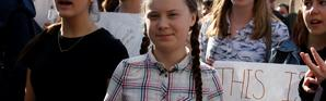 Greta Thunberg lors d'une Marche pour le climat organisée par des étudiants parisiens