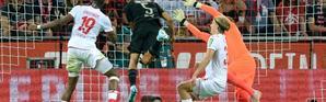 Le défenseur de Dortmund Achraf Hakimi buteur lors de la victoire 3-1 à Augsbourg le 23 août 2019 [UWE KRAFT / AFP]
