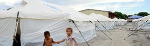 Deux enfants vénézueliens dans un camp de réfugiés dans l'Etat de Roraima, au nord du Brésil. Le 3 mai 2018. [EVARISTO SA / AFP/Archives]