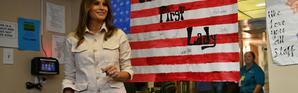 """La Première Dame américaine Melania Trump visite le centre pour enfants """"Upbring New Hope Children Center"""" à McAllen, au Texas, le 21 juin 2018 [MANDEL NGAN / AFP]"""