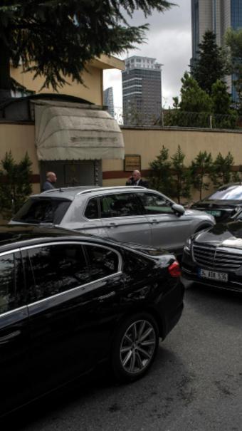 La délégation saoudienne arrive au consulat d'Arabie Saoudite d'Istanbul, le 12 octobre 2018 [Yasin AKGUL / AFP]
