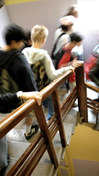 Un lycéen soupçonné d'avoir braqué une arme factice sur sa professeure toujours en garde à vue à Créteil [JEFF PACHOUD / ARCHIVES/AFP/Archives]