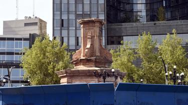 La représentation de Christophe Colomb était régulièrement la cible de graffitis de protestation.