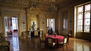 Cet espace d'environ 600m2 est une partie d'un hôtel particulier du 2e arrondissement à Paris.