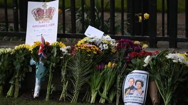 Les messages de condoléances affluent au Royaume-Uni