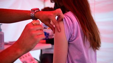Se ha desarrollado una lista muy limitada de contraindicaciones médicas para la vacuna.