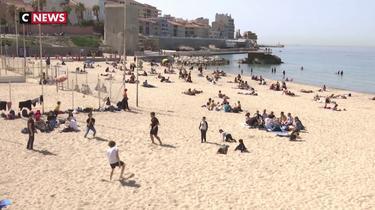 Les Marseillais profitent des plages ouvertes