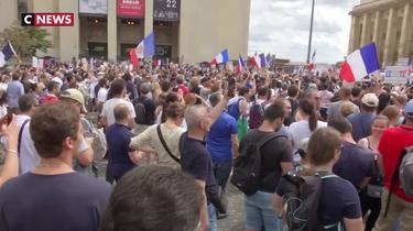 Mobilitazione contro il pass sanitario: i manifestanti di Parigi credono nel successo del movimento