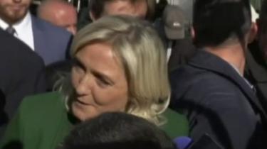 Marine Le Pen : «Éric, maintenant il faut que tu sois candidat»