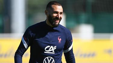 Karim Benzema regressou à selecção francesa após mais de cinco anos de ausência.