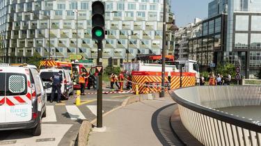 L'accident s'est produit à la sortie du pont d'Issy-les-Moulineaux, côté Boulogne-Billancourt.