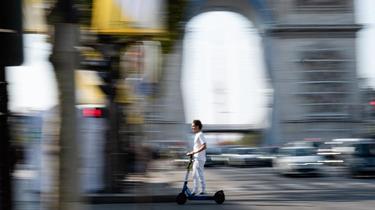 Jugées dangereuses, les trottinettes pourraient être bridées à 10 km/h dans une grande partie de la capitale.