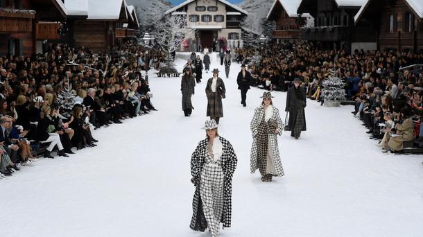Le défilé Chanel par Lagerfeld au Grand palais.