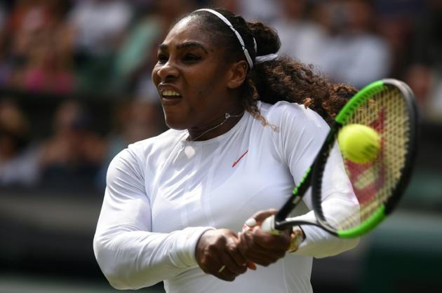 L'Américaine Serena Williams contre la Russe Evgeniya Rodina en 8es de finale de Wimbledon, le 9 juillet 2018  [Oli SCARFF                           / AFP]