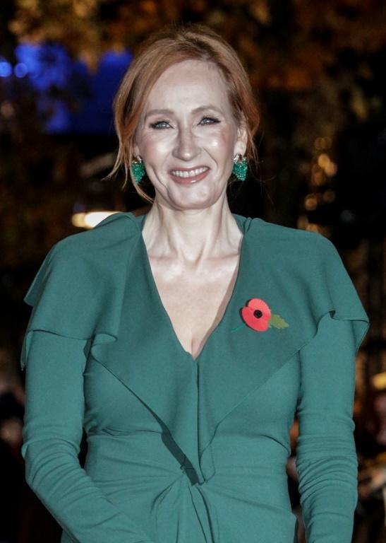 """La romancière britannique J. K. Rowling pour la première mondiale de """"Les Crimes de Grindelwald"""" à Paris, le 8 novembre 2018 [Geoffroy VAN DER HASSELT / AFP]"""
