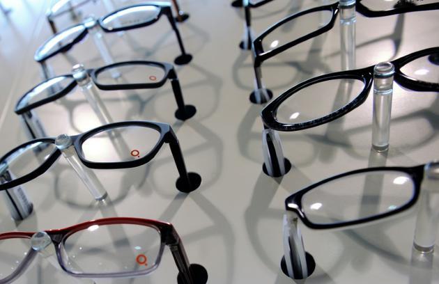 A partir du 1er janvier 2020, tous les opticiens devront proposer des montures à 30 euros maximum [PHILIPPE HUGUEN / AFP/Archives]