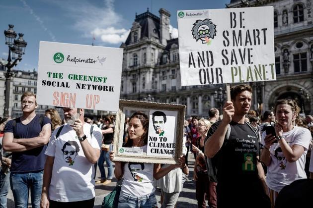 Participants à la marche pour le climat, Place de l'Hôtel de Ville à Paris, samedi 8 septembre 2018 [Philippe LOPEZ / AFP]