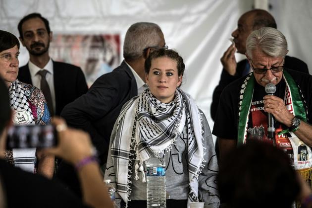 La Palestinienne Ahed Tamimi (C) à la Fête de l'Humanité pour participer à un débat, le 15 septembre 2018 à La Courneuve, près de Paris [Christophe ARCHAMBAULT / AFP]