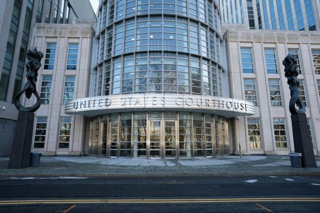 """Les jurés ont commencé à délibérer lundi, au tribunal fédéral de Brooklyn, pour savoir si le Mexicain Joaquin Guzman """"El Chapo"""" doit être déclaré coupable [Don Emmert / AFP]"""
