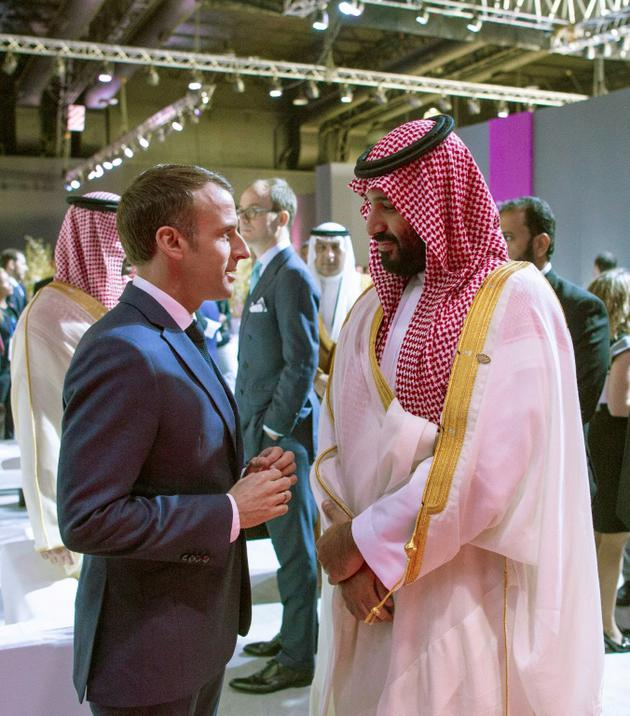 Le président français Emmanuel Macron et le prince héritier saoudien Mohammed ben Salmane, au sommet du G20 à Buenos Aires, le 30 novembre 2018. [Bandar AL-JALOUD / Saudi Royal Palace/AFP]