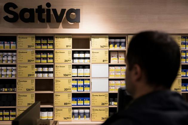 Une boutique d'Etat de la Société québécoise du cannabis (SQDC), dont 12 magasins ouvrent leurs portes à 10H00 (14H00 GMT) mercredi après que le Canada a légalisé le cannabis récréatif. [MARTIN OUELLET-DIOTTE / AFP]
