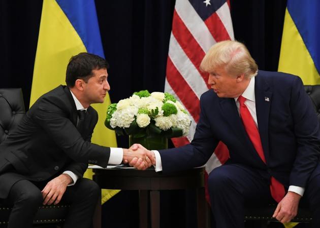 Les présidents ukrainien Volodymyr Zelensky et américain Donald Trump le 25 septembre 2019 à New York [SAUL LOEB / AFP]