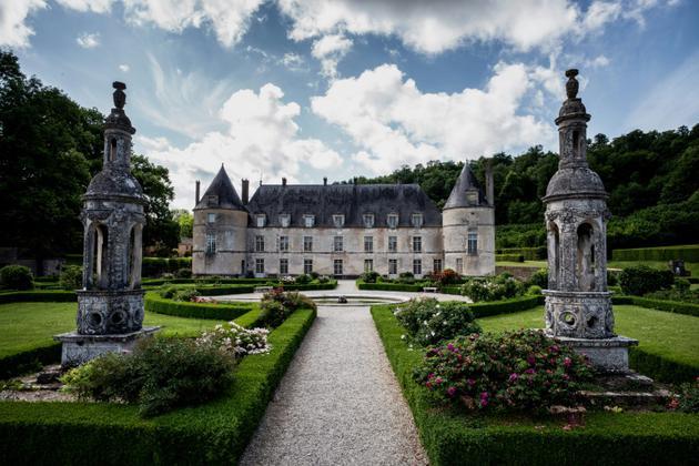 Le château de Bussy-Rabutin, dans l'Est, l'un des 18 monuments prioritaires du Loto du patrimoine, le 30 mai 2018 [JEFF PACHOUD / AFP]