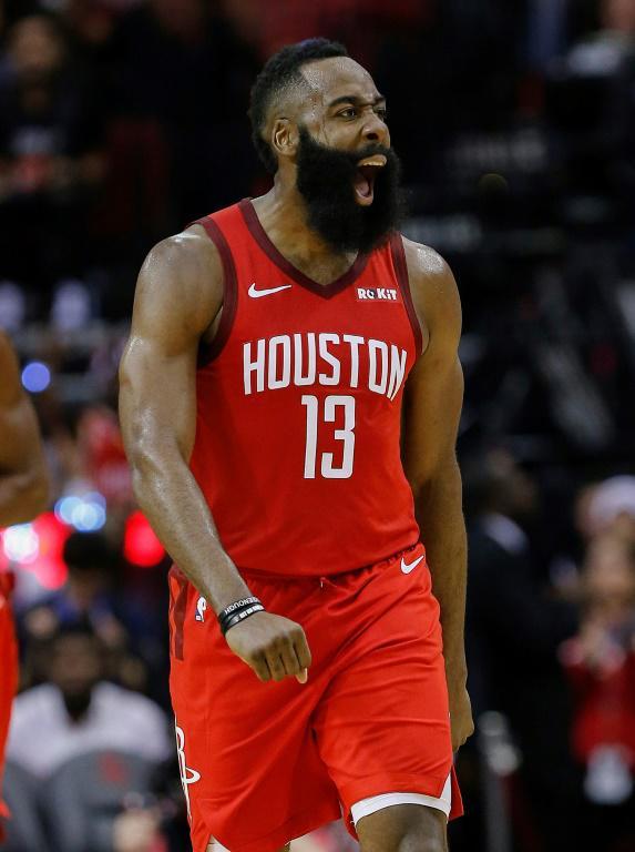 James Harden des Houston Rockets exulte après un tir à 3 points réussi face au Thunder d'Oklahoma City en NBA, le 25 décembre 2018  [Bob Levey / Getty/AFP]