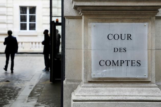 Pour la Cour des comptes, les objectifs du gouvernement en matière de dette publique sont insuffisants [ludovic MARIN / AFP/Archives]