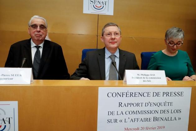 Le président de la commission des Lois, Philippe Bas (g), les sénateurs Muriel Jourda (d) et Jean-Pierre Sueur présentent le rapport de la commission d'enquête sur l'affaire Benalla, le 20 février 2019 à Paris [FRANCOIS GUILLOT / AFP]